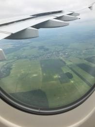هكذا بدت روسيا من الأعلى ، قرى صغيرة هنا و هناك محاطة بمساحات خضراء شاسعة